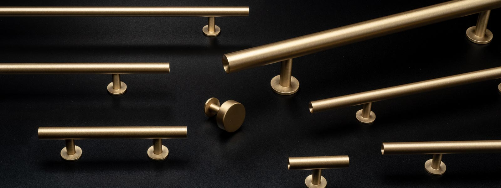Brushed-Brass-Round-Bar-Series